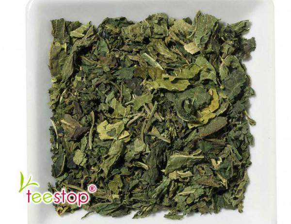 Brennnesselblätter geschnitten Tee
